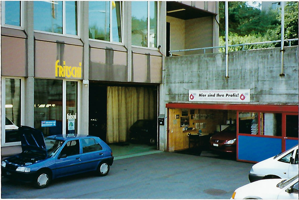 Eingang im Jahre 1990